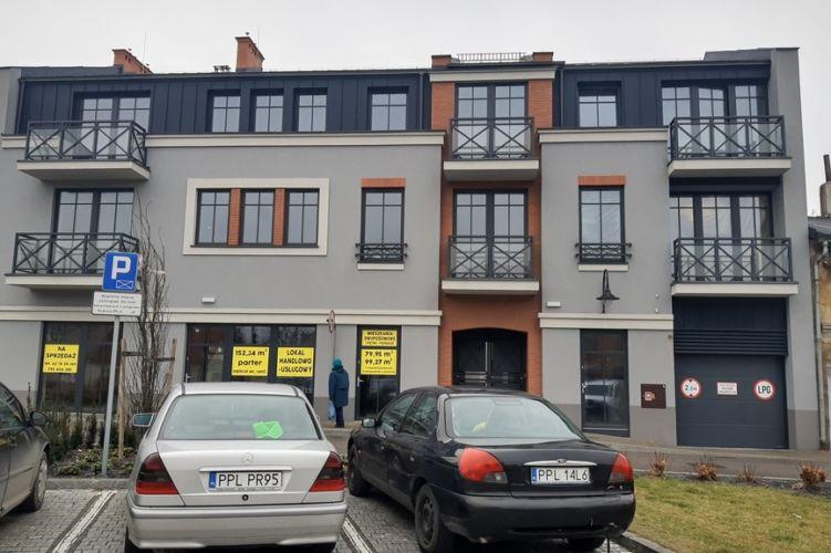 Mieszkanie własnościowe – Plac Powstańców